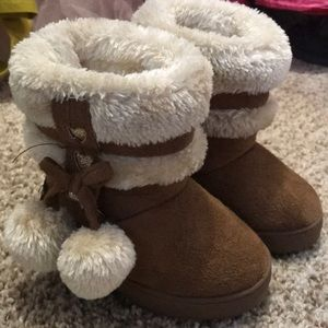 Super cute toddler boots